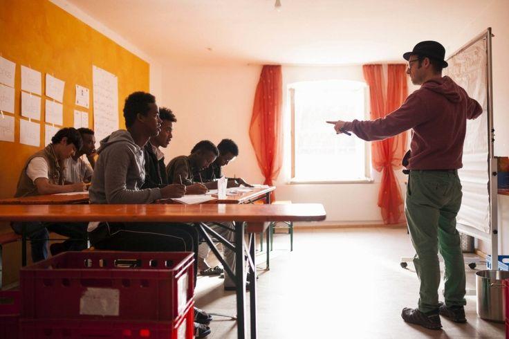 In Rosenheim werden jugendliche Flüchtlinge betreut, die ohne Eltern nach Deutschland kommen. Eigentlich sollen sie ausgebildet werden. Die Erwartungen sind groß. Aber das ist ein fast aussichtsloses Unterfangen. Wieso?
