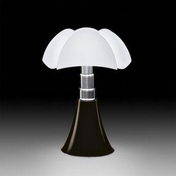 Lampe design PIPISTRELLO -  4x7W E14 – marron - téléscopique - Martinelli Luce  La lampe Pipistrello, éditée par la marque Martinelli Luce, est un objet culte du design italien des années 60. Dessinée en 1965 par Gae Aulenti, elle traverse les années sans perdre une ride en fascinant toujours autant. Elle reste, aujourd'hui encore, un incontournable dans les projets de décoration intérieure.