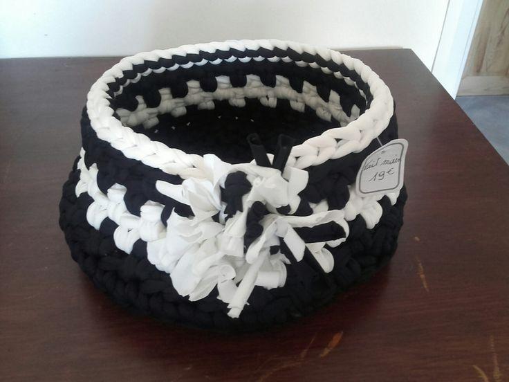 CORBEILLE vide poche trapilho noir et blanc de la boutique MonpetitcoeurTresors sur Etsy