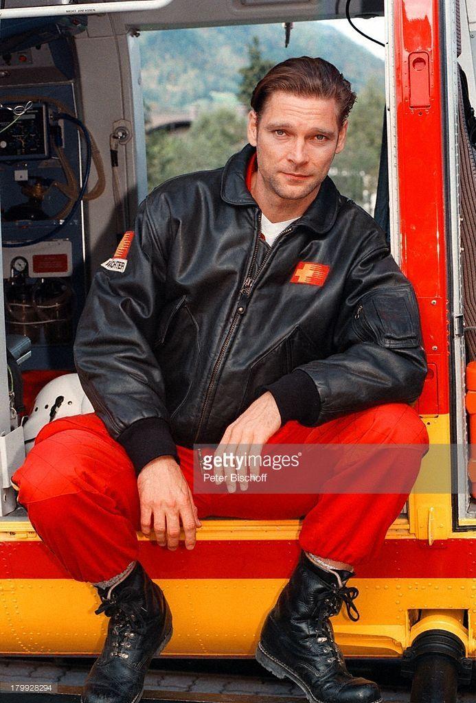 Manfred Stücklschwaiger, 'Medicopter 117-;jedes Leben zählt' RTL-Serie II. Staffel,;Dreh Heli-Basis St. Johann, Hubschrauber,