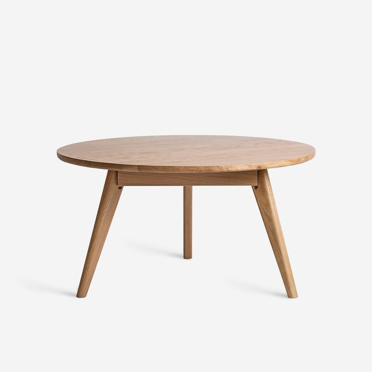 The Elo perfects effortless ease and comfortable style. With a generous round top and shapely legs, the Elo will be your new favorite place to gather around, wh