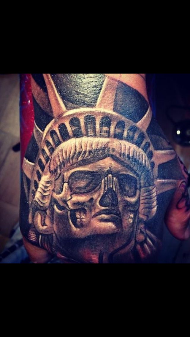 Statue of liberty tattoo as day of the dead Done with @fkirons #spektrahalo #fkironsProTeam @fusion_ink #fusioninks @bigprick_tattoosupply @redemptiontattoocare #redemptionaftercare @stencilstuff #stencilstuff For tattoo appointments go to WWW.TATUBABY.COM #Miami #tatubaby #tatubabytattoos @tatubabytattoogallery