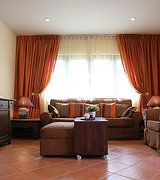 Benjarong talon/huvilan olohuone. www.vuokraahuvilathaimaasta.com