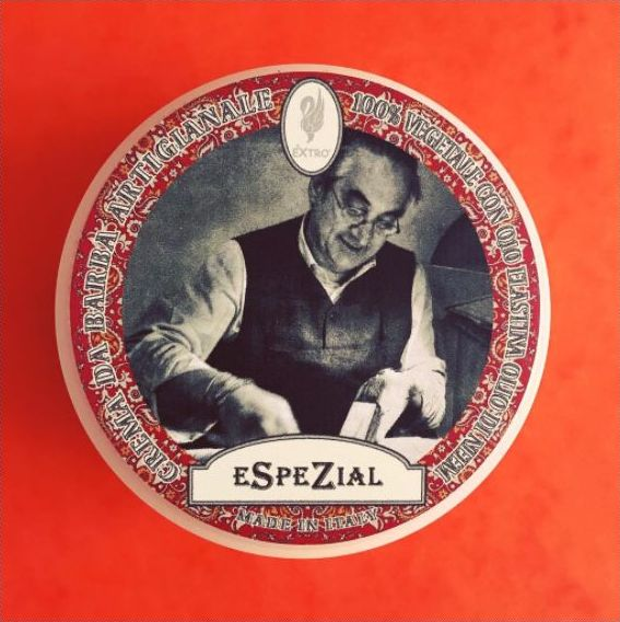 A special shaving soap, that offers a real beauty treatment for the skin. #espezial #extro #cremadabarba #shavingsoap #shaving #shavingproducts #traditionalshaving #shavingculture #shavingtime #shavinglife