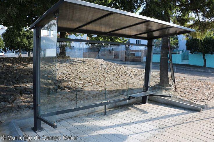 Campomaiornews: Instaladas novas paragens dos autocarros escolares...