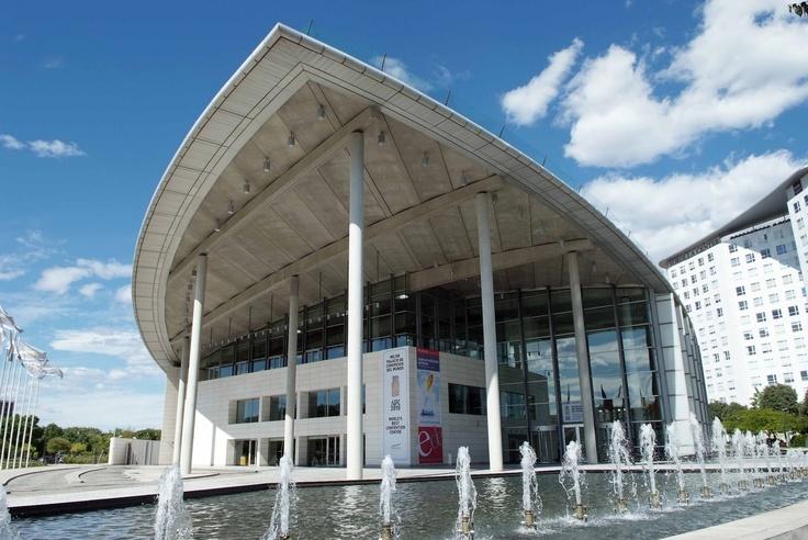 Know Your Architect: #1 El Palacio de Congresos
