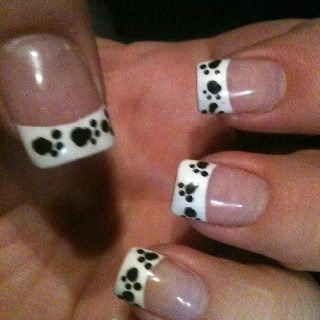 Adorable paw print nails for the dog lover!