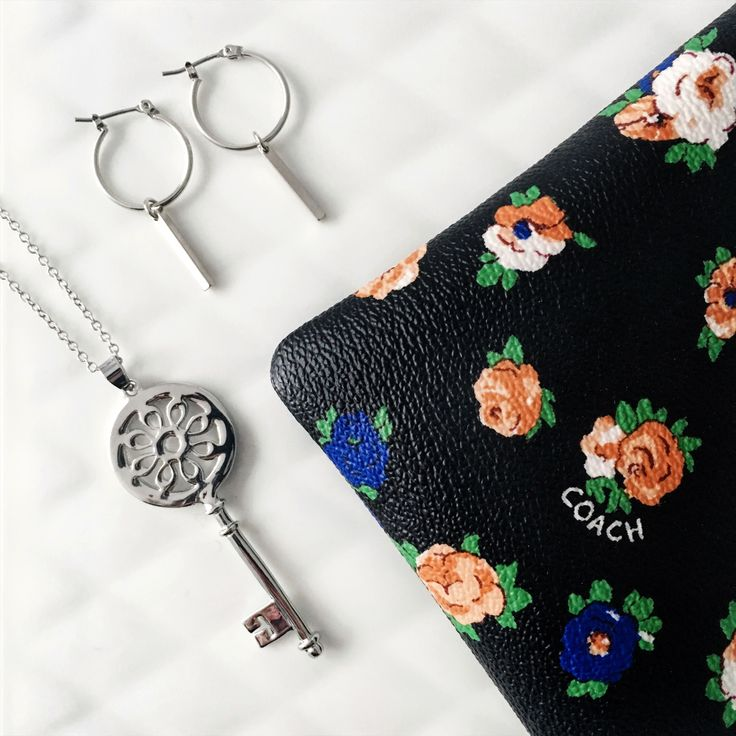 Gift box with #Coach wristlet #julierawbox #giftforher #giftset #jewelry #necklace #earrings