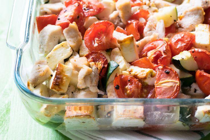 Wieder einmal ein einfaches Rezept, das sich leicht nachkochen lässt! Der Auflauf enthällt kaum Kohlenhydrate. Low Carb und High Protein.