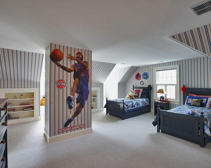 Обои в детскую комнату мальчика: рекомендации по выбору и 70+ ярких идей для вашего ребенка http://happymodern.ru/oboi-v-detskuyu-komnatu-dlya-malchikov-foto/ Детская комната для двух мальчиков с одинаковыми интересами. Полосатые обои и печать на них в виде знаменитого баскетболиста – оформление стен