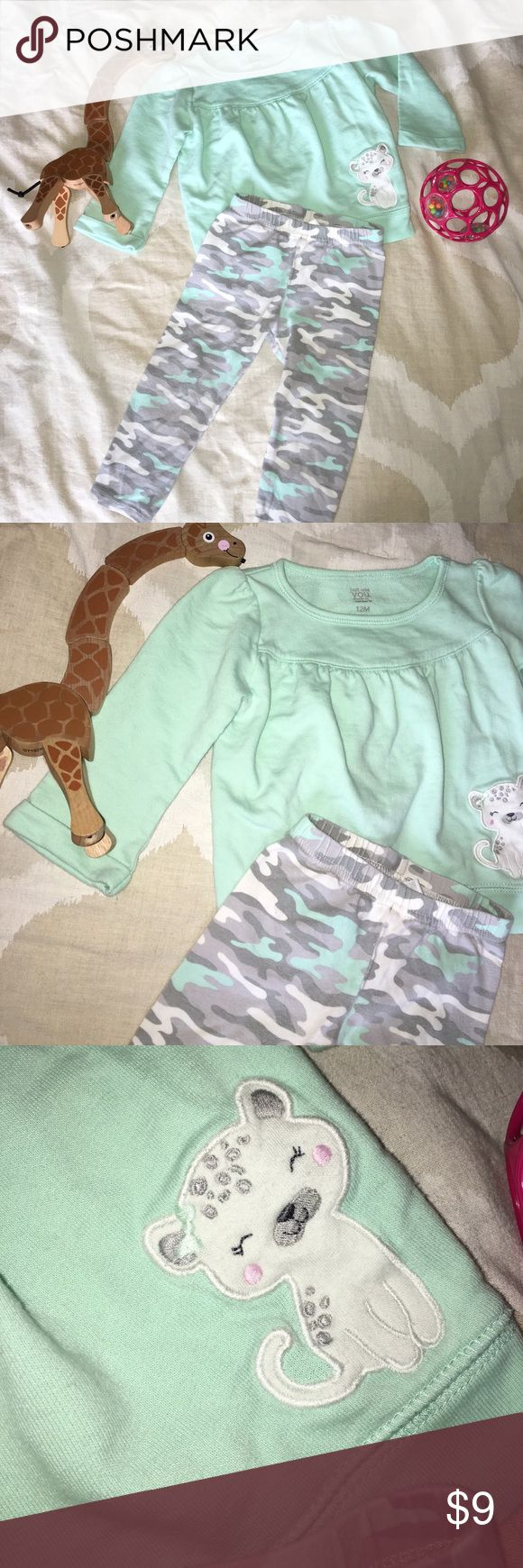 Mint Green Camo 2 Piece Baby Set Gently used, 12 month old mint green shirt with small white tiger & camo mint green pants! Very cute! 🍼                              🌸 MAKE AN OFFER 🌸 Carter's Matching Sets