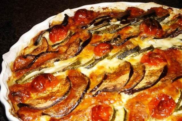 Fácil y rica tarta de verduras: Tarta de zapallitos y berenjenas http://www.e-recetas.com/recetario/recetas-faciles/facil-y-rica-tarta-de-verduras-tarta-de-zapallitos-y-berenjenas.htm
