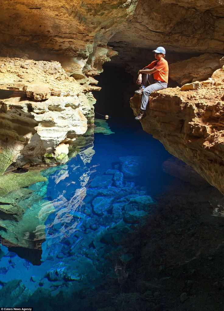 The caves with crystalline water wells are some of the main attractions of Chapada Diamantina National Park, a region of mountains located in the center