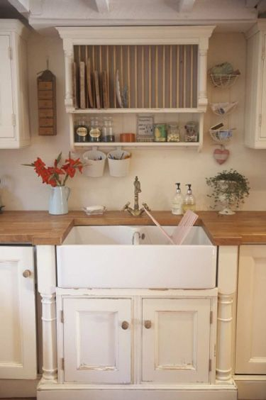 Country kitchen. Awesome sink. Butcher block counters- my dream!: Farms House, Butcher Blocks, Plate Racks, Plates Racks, Farms Sinks, Farmhouse Sinks, Country Kitchens, Kitchens Idea, Kitchens Sinks