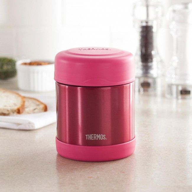 Thermos double wall stainless steel vacuum insulated construction ensures maximum temperature retention for hot or cold food. With a twist on lid and wide mouth opening the funtainer is easy to fill but won't accidentally spill in your lunch bag!