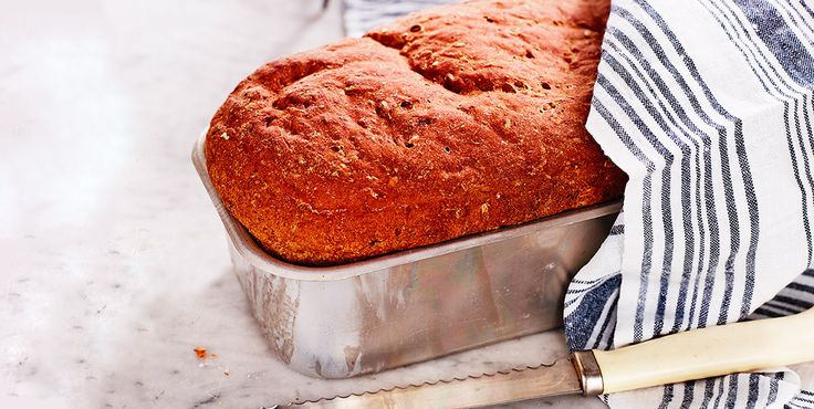 Formbakat rågbröd med fikon