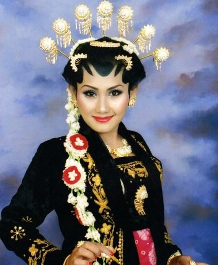 Wedding Dress -Yogyakarta Style