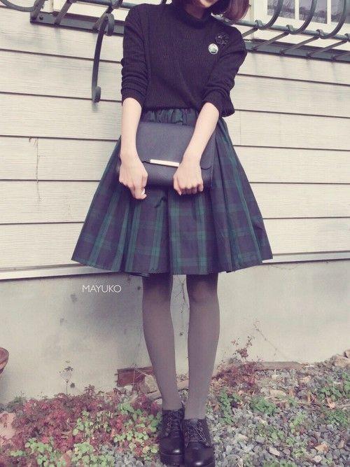 tops ⁂ Dholic ・・・ skirt ⁂ LAGUNAMOON ・・・ shoes ⁂ AVAIL ・・・ bag ⁂ Dholic ・・・ brooch ⁂ Dholic