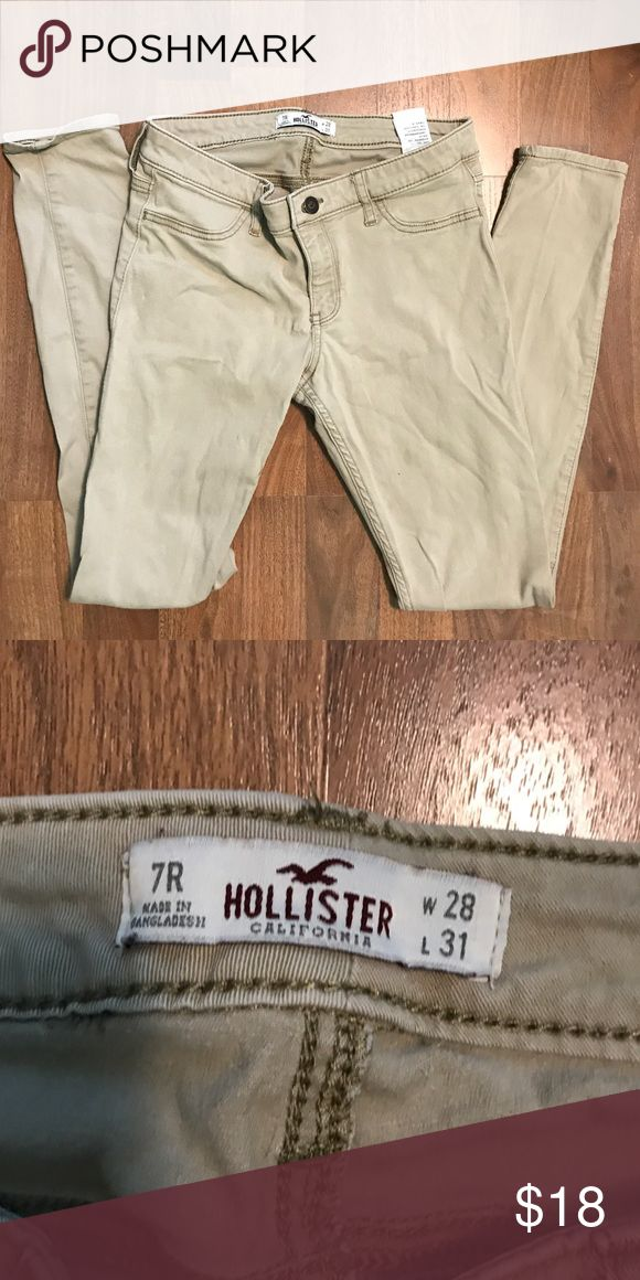 Hollister Kaki Skinny Pants Size 7R EUC Kaki Hollister Super Skinny Pants. Size 7R. Hollister Pants