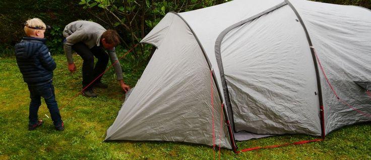 Le camping en famille c'est bien, avec du bon matériel pour camper c'est mieux - avis, test de notre équipement, nos choix de tente familiale, sacs de couchage enfant, et quelques conseils sur le camping avec des enfants!