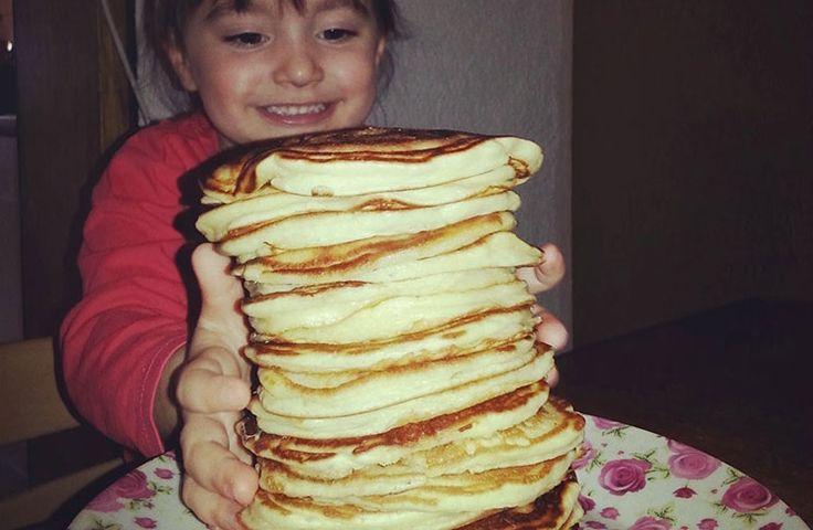 Hallo meine Lieben, vor kurzem habe ich auf Instagram ein Bild von meinen amerikanischen Pancakes gepostet. Viele von euch haben dann nach dem Rezept...