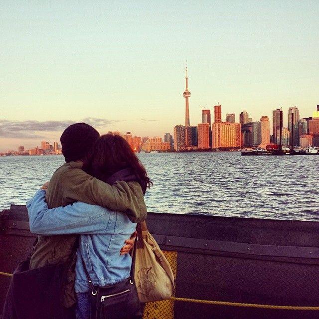 #TommieAmberPirie and #DovTiefenbach hug it out on the #TorontoIsland Ferry! #onset #setlife #pretendwerekissing #toronto #sunrise #love #hu...