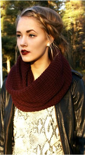 Love the scarf and the dark lips