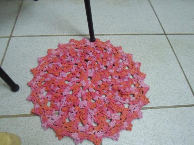 http://meucilio.blogspot.com.br/2016/07/croche-tapete-redondo-multicolorido.html