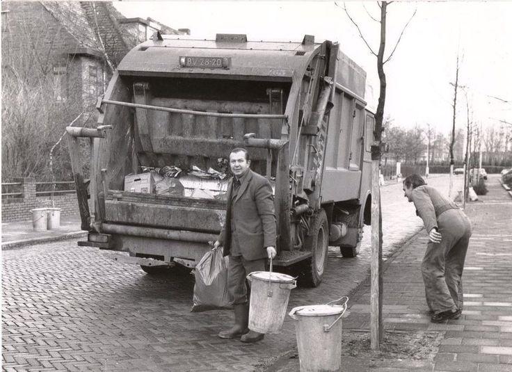 Valkenierslaan in de tijd van de ouderwetse vuilnisemmer