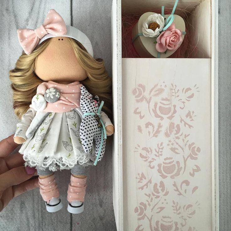 Куколка выполнена на заказ💐Плюс презентация моих новых коробочек👀☝️☝👯#коробочкадлякуклы#нева#спб#кукласвоимируками#куклатильда#куклавподарок#тильдаигрушки#тильдамания#тильданазаказ#рукоделие#хобби#handmade#chichidolls#dolls