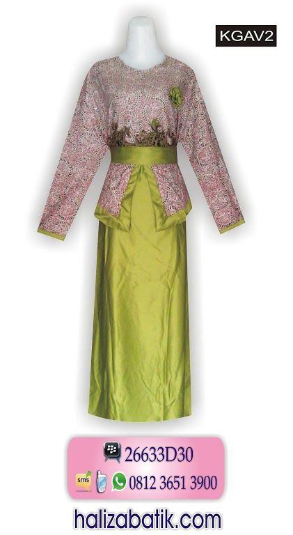 grosirbatik-pekalongan.com  Batik muslimah bahan katun. Batik wanita kombinasi velvet warna hijau. Terdapat satu kancing belakang. Model gamis batik terbaru kerut belakang divariasikan ikat pinggang yang bisa dilepas.