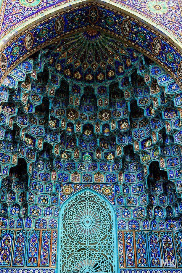 Mosaic art of Islamic mosques. - Maroc Désert Expérience tours http://www.marocdesertexperience.com