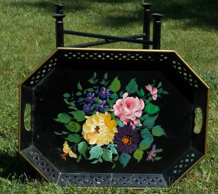 TOLEWARE Serving Tray NASHCO w/ Stand Black Paint Floral Design Latice Cutouts