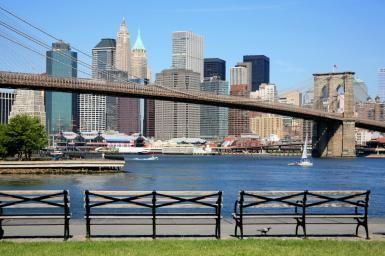 USA, New York City, Brooklyn Bridge and Manhattan skyline - Hisham Ibrahim/Photographer's Choice/Getty Images