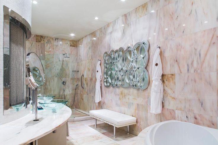 Junior Suite Bathroom  #juniorsuite #boscolobudapest #boscolohotel