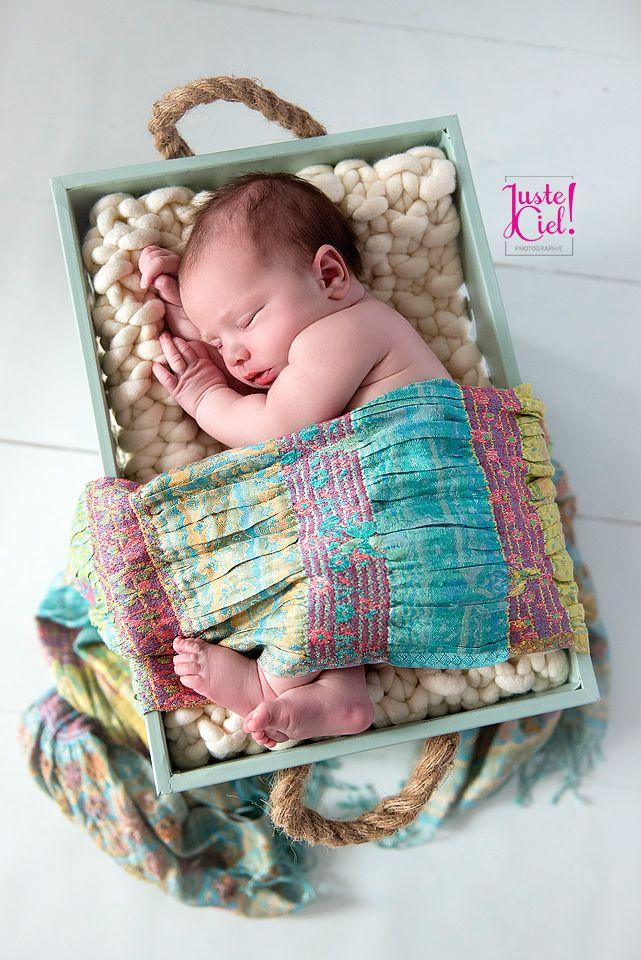 newborn baby girl sweet colours www.justeciel.ca photographer Montreal