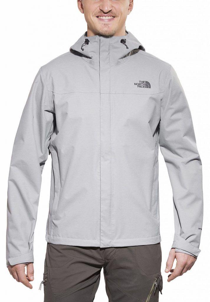 #The #North #Face #Herren #The #North #Face #Regenjacke #Venture #Jacket #Men« #grau Die The North Face Men´s Venture Jacket ist eine umweltfreundliche Shelljacke und ein mit allen Extras ausgestatteter Bestseller der Regenbekleidung. Sie eignet sich für alle Wetterlagen und besteht aus dem neün, noch weicheren und umweltfreundlichen 2.5L DryVent-Material.DryVent: DryVent ist eine hochwertige wasserdichte Technologie. Das Material ist dabei atmungsaktiv und leicht. Diese Technologie wurde…