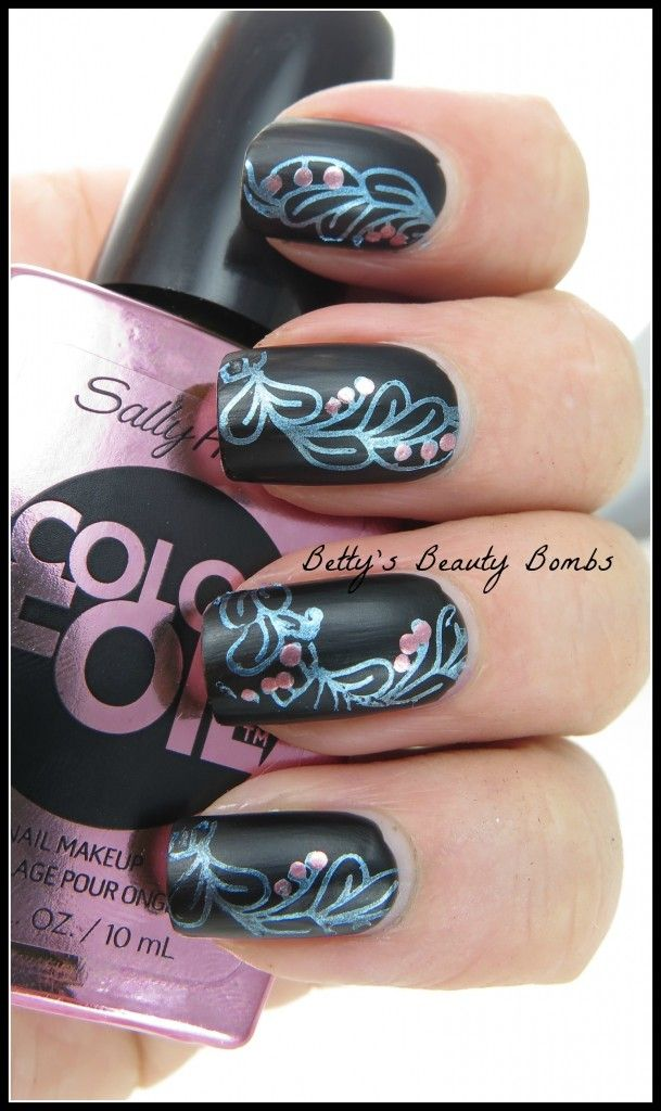 http://www.bettysbeautybombs.com/2014/06/16/sally-hansen-color-foils-stamping/ / Nail Art Stamping with Sally Hansen Color Foils