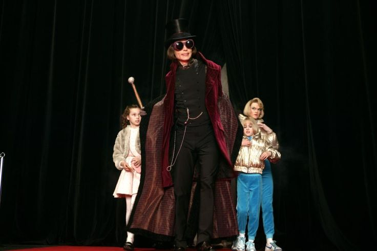 CHARLIE AND THE CHOCOLATE FACTORY, Julia Winter, Johnny ...