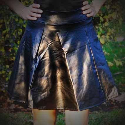 Falda cuerina cintura