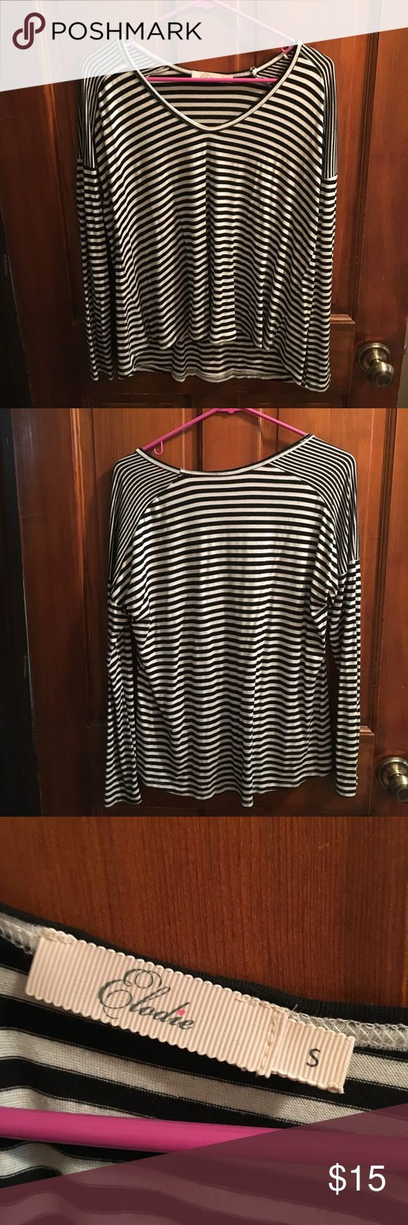 Striped long sleeve shirt Black and white striped long sleeve shirt. Nice material. In great confusion. Size small. Tops Tees - Long Sleeve