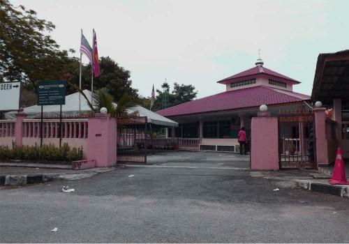 Rumah Untuk Dijual Lokasi Shah Alam -   http://lagimudah.com/ads/rumah-untuk-dijual-lokasi-shah-alam/ - Rumah Pangsapuri Seksyen 19, shah Alam untuk dijual. Pangsapuri 6 tingkat 3 bilik, 3 bilik tidur 1 ruang makan  ruang tamu 1 dapur 1 bilik air. terletak di Seksyen 19, Shah Alam. Berkeluasan 626 sqft. Berhampiran dengan De Palma Hotel, Shell, SALAM Hospital Berpotensi untuk menjana pendapatan pasif dan sebagaii