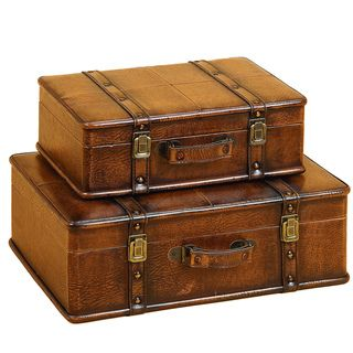 This beautiful wood trunk features old fashioned hardware for an antique look. This decorative treasure chest is great for coffee table, end table, storage and decoration. This handsome trunk has vint