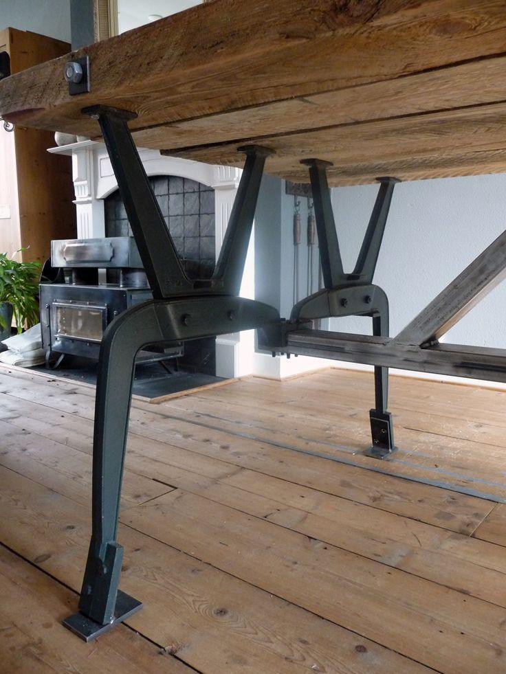 steigerhout tafel stalen frame