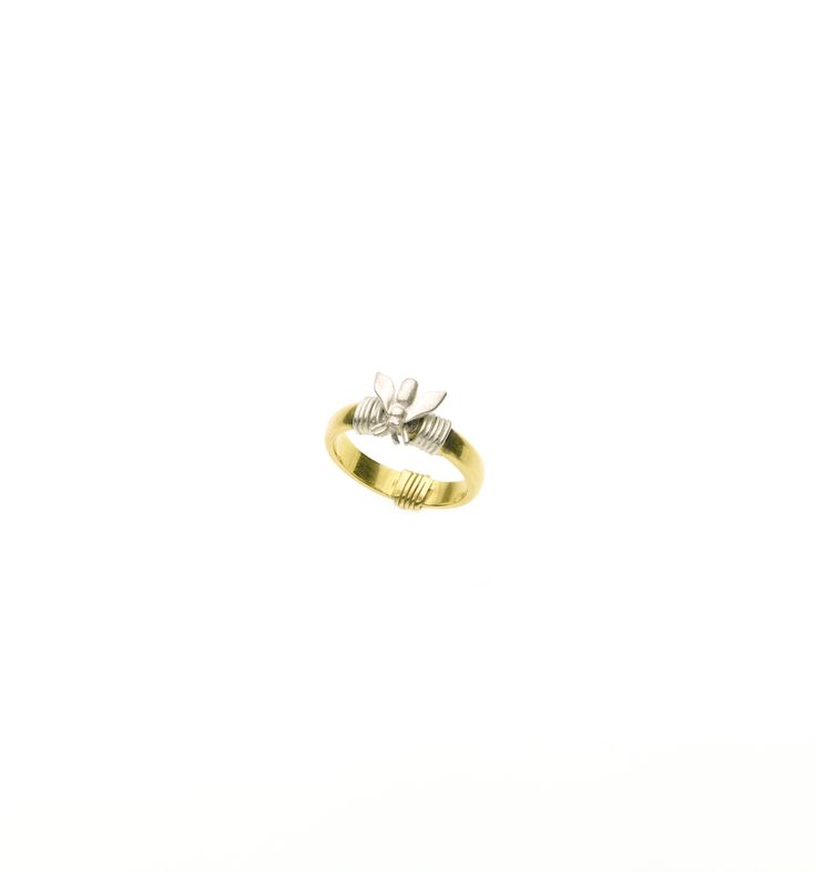 PUSHMATAaHA/ Bondage Fly RIng/ Gold with Sterling Silver