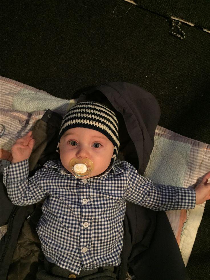 Crochet baby hat w/earflaps