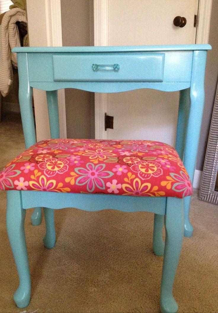 My diy little girl 39 s vanity turned out great my diy for Cute vanity desk