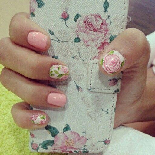 Floral nail art...