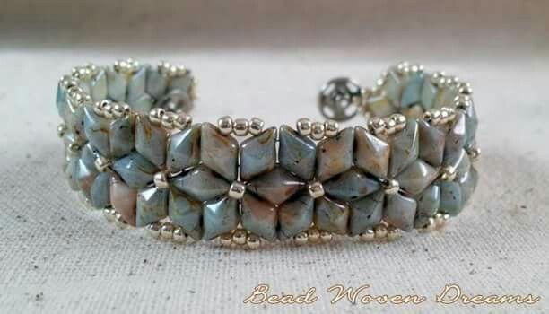 Almas Starburst bracelet design: https://www.etsy.com/listing/470589891/almas-starburst-bracelet-tutorial