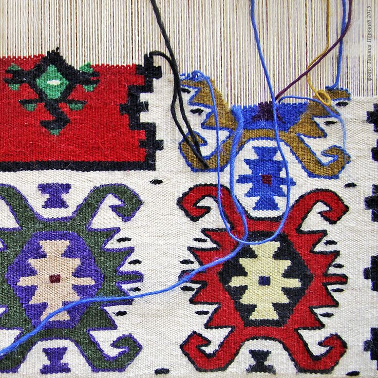 """Пиротски ћилим.Pirot kilim is a unique and highly regarded brand of flat tapestry-woven carpets or rugs, made of pure sheep's wool ( from Stara Planina, southeastern Serbia), dyed with natural colours and long enduring. Has 28 weave lines in 1cm and both sides of the rug can be used. Its patterns and ornaments are unique: 96 of them are geographically protected. Pirot kilim is made exclusively in Pirot, Serbia. Handicraft society """"Lady's Heart"""": http://www.damskosrce.com/ Photo: Tanjica…"""